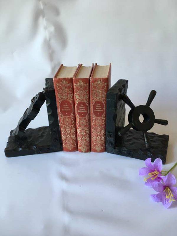 Appuis-livres en bois