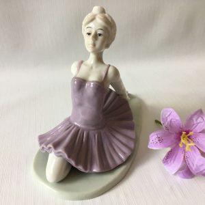 Figurine ballerine en porcelaine